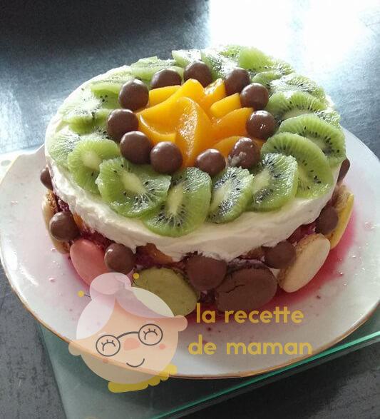 Gâteau de boudoirs aux fruits