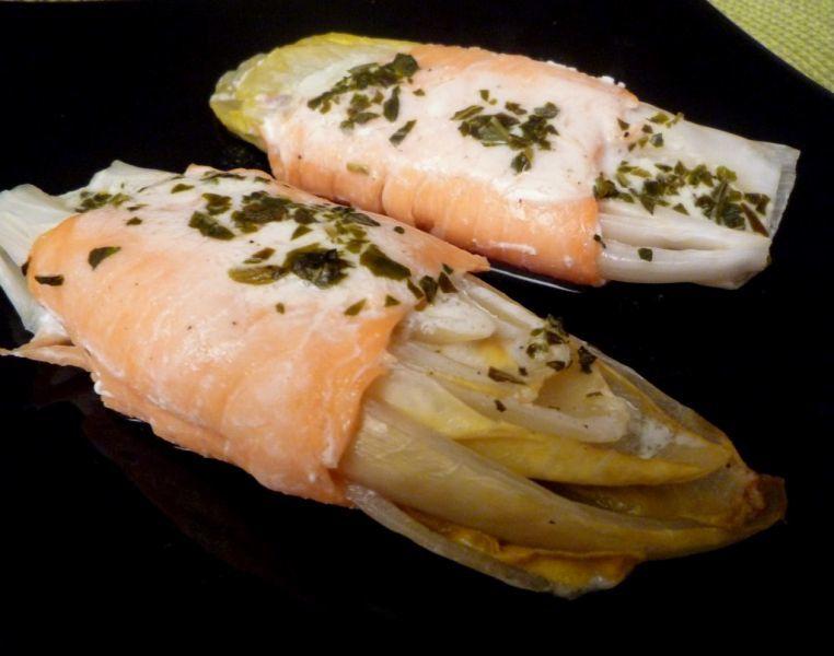 Endives au saumon fumé et crème légère citronnée