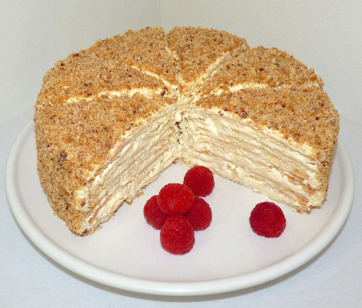 Le napoléon , le fameux gâteau russe très feuilleté