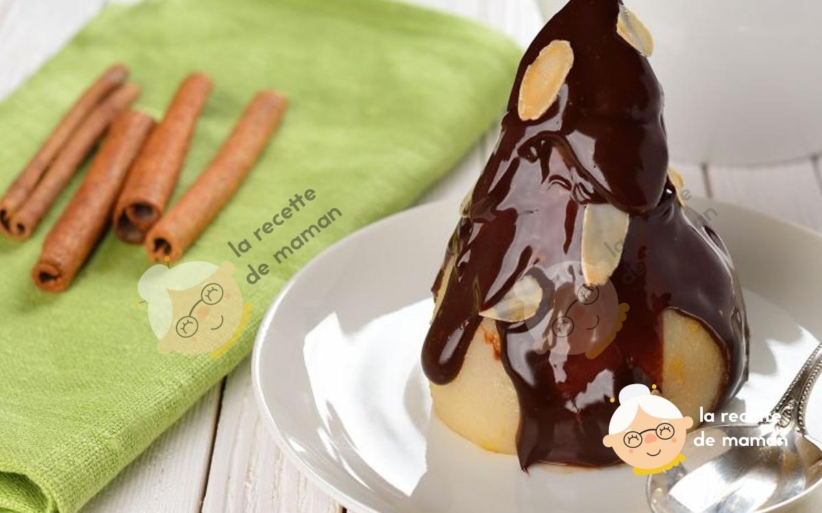Poire pochée nappée de chocolat